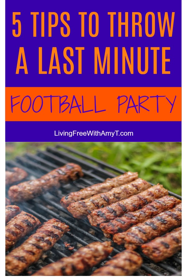 It may be last minute but that doesn't mean it's too late to throw a Super Bowl party. Use these tips and tricks to throw a last-minute Super Bowl party! #ideas #food #recipes #drinks #appetizers #kids #games